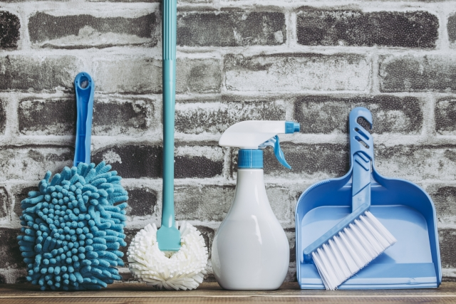 同棲・新婚カップルにおすすめの1LDKの間取りのメリットは掃除が楽なことを示すイメージ